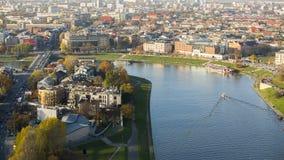 KRAKOW, POLSKA - widok z lotu ptaka Vistula rzeka w historycznym centrum miasta Zdjęcia Stock