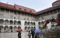 Krakow Sierpień 19,2014: Wawel Royal Palace podwórze w Krakow, Polska zdjęcia royalty free