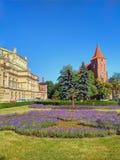 Krakow stadssikt - kyrka och teater arkivfoton