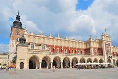 Krakow.  Torkduk Hall royaltyfria foton