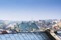 Krakow w Bożenarodzeniowym czasie, widok z lotu ptaka na śnieżnych dachach w środkowej części miasto Polska europejczycy zdjęcie royalty free