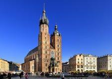 Krakowska Stara miasteczka, St Maryjna katedra, i średniowieczni tenements Głównym Targowym kwadratem Obrazy Royalty Free