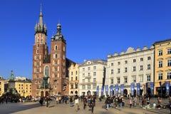 Krakowska Stara miasteczka, St Maryjna katedra, i średniowieczni tenements Głównym Targowym kwadratem Fotografia Stock