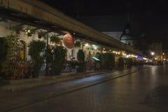 Krakowski nocą, Stolarska ulica Zdjęcia Royalty Free