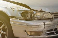 Kraksa samochodowa wypadek na drodze, wypadek samochodowy dla ubezpieczenia zdjęcia stock