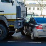 Kraksa samochodowa wypadek na ulicie obraz royalty free