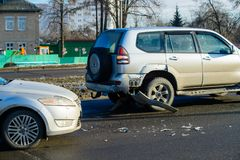 Kraksa samochodowa wypadek na ulicie zdjęcia stock