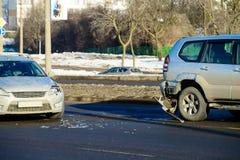 Kraksa samochodowa wypadek na ulicie zdjęcia royalty free