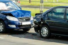 Kraksa samochodowa wypadek na ulicie fotografia stock