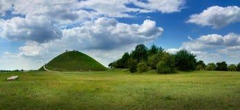 Krakus kulle, en förhistorisk allvarlig kulle nära Cracow, Polen Arkivfoton