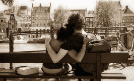 krama för par Royaltyfria Foton