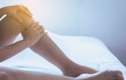 Krampfadern auf der dem Bein oder dem Fuß Frau, Körper- und Gesundheitswesenkonzept Stockfotografie