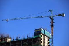 Kran an der Baustelle Lizenzfreies Stockfoto