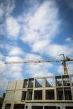 Kran und Baustelle Lizenzfreies Stockfoto