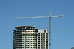 Kran und Gebäude Stockfotografie