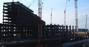 Kranar p? under-konstruktionen i Tokyo stock video