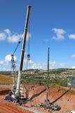 Kranar som lägger en ny bro Royaltyfria Foton
