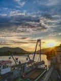 Kranfartyg på floden royaltyfria foton