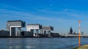 Kranhäuser an Hafen Cologne Lizenzfreie Stockbilder