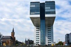 Kranhaus, nowożytna architektura przy Köln, obrazy stock