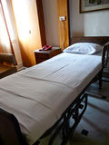 Krankenhaus-Bett Stockfotos