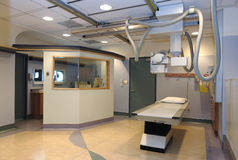 Krankenhaus-Röntgenstrahlraum Stockbilder
