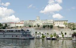 Krankenhaus, welches das goldene Horn, Istanbul übersieht Stockfotos