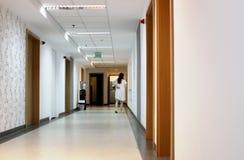Krankenhausflur Lizenzfreie Stockfotos