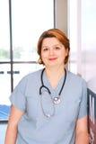 Krankenschwester in einem Krankenhaus Stockbilder