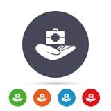 Krankenversicherungszeichen Stethoskop und Dollarscheine getrennt auf weißem Hintergrund Lizenzfreie Stockfotos