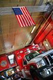 Krankenwagen-amerikanische Flagge Lizenzfreie Stockbilder