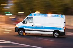 Krankenwagen in Tätigkeit 2 Stockfotos