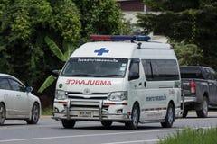 Krankenwagenpackwagen von Doisaket-Krankenhaus stockbilder