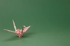 kranorigamipapper sakura arkivbild