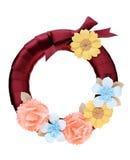 Krans som dekoreras med den pappers- blomman Fotografering för Bildbyråer