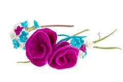 Kransen på huvudet av vit och blått blommar med rosor Royaltyfri Fotografi