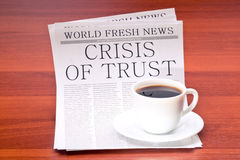 Krant en kop van koffie Royalty-vrije Stock Fotografie