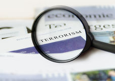 Krantekop van de terrorisme de dagelijkse krant Stock Afbeeldingen