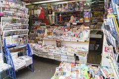 Kranten in Frankrijk stock fotografie