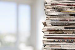 Krantenstapel stock foto