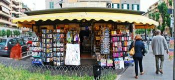 Krantenverkopers in de stad van Rome op 31 Mei, 2014 Royalty-vrije Stock Afbeelding