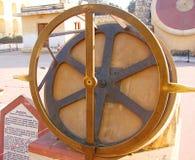 Krantivritta -在古老观测所, Jantar Mantar,斋浦尔,拉贾斯坦,印度的一台天文学仪器 库存照片