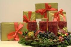 kranz рождества 2 пришествий представляет риф Стоковые Фотографии RF