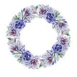 Kranz mit Aquarellblumen und -bl?ttern stockbild