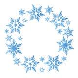 Kranz von blauen Schneeflocken kreisen Winterweihnachtsneues Jahr vecto ein stock abbildung