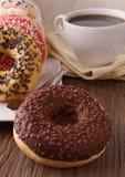 Krapfen und Kaffee Stockbild