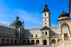 Krasiczyn, Польша - 11-ое октября 2013: Замок Krasiczyn - красивый ренессансный дворец в Польше стоковое фото rf