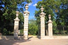 Krasinskis park w Warszawa - główna brama fotografia stock