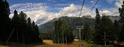 De Toevlucht van de Ski van Polyana Sotchi van Krasnaya, de Zomer Royalty-vrije Stock Afbeelding