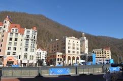 Krasnaya Polyana durante juegos de olimpiada de invierno Imagenes de archivo